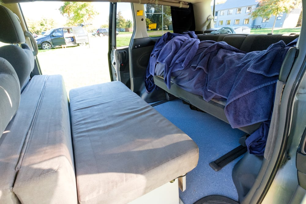 During the afternoons in campsites we would have this set up – towels and bedding on the rear seat and bags moved to the front seats